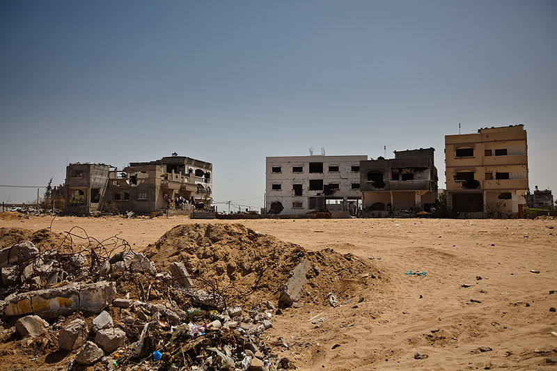 800px-Damaged_housing_gaza_strip_april_2009